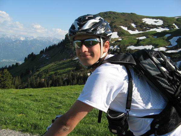 Linus biking Kamor